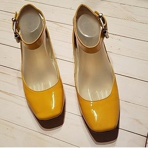 """Lil Bit"" by Kenneth Cole yellow flats 9M"
